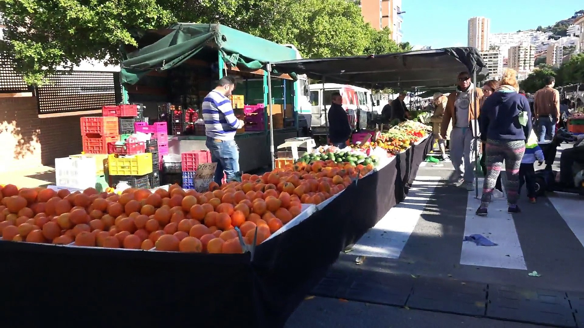 Цены на фрукты и овощи на рынке в Испании, в январе 2016