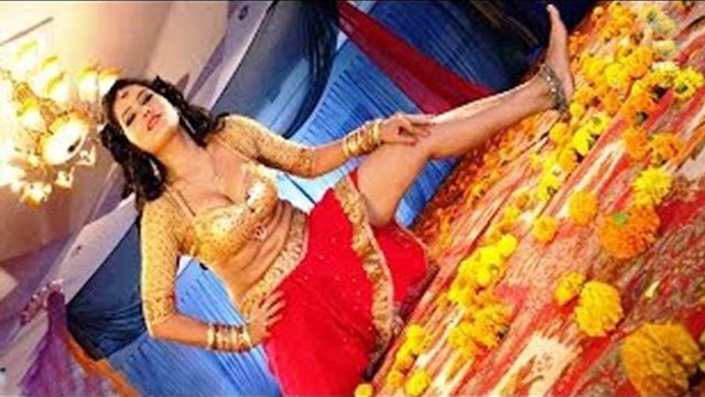 Jab Lehnga Uthai To Bum Chali Ho (Full Bhojpuri Hot Item