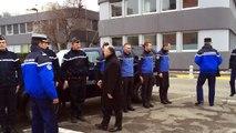 Grenoble : Bernard Cazeneuve rend hommage aux gendarmes Après les interpellations à Moirans