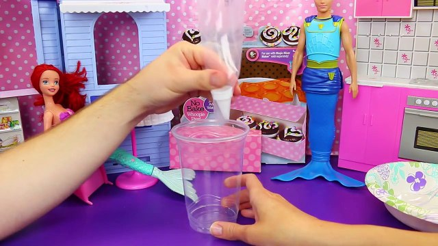 Whoopie Pie Cupcake Maker With Frosting & Sprinkles on Cake Cool Baker Toy DisneyCarToys