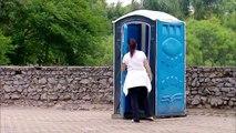 Caméra cachée : Star Wars vs toilettes publiques