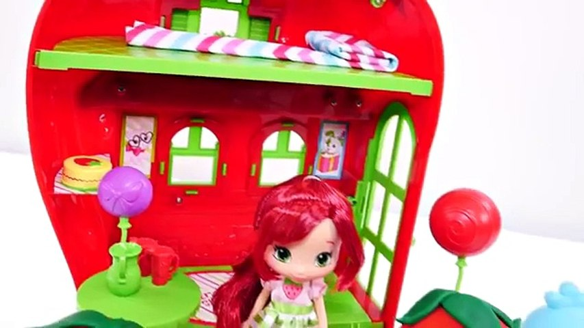 Strawberry Shortcake Doll House and Cafe *** Play doh Strawberry Surprise Eggs (FULL HD)