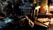 Furniture Hardware, Furniture Fittings and Cabinet Hardware - China: Glass Sliding Doors Locks / Production 3