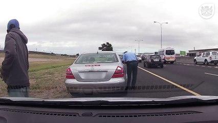 Un policier se fait tirer dessus puis termine sa contravention