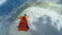 Le vol en Vol en wingsuit le plus fou !
