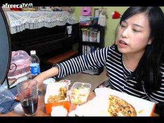 터민 후라이드 치킨+피자+치킨샐러드 먹방