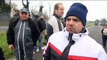 Journée tendue entre éleveurs bretons en colère et policiers dans les Côtes-d'Armor