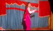 Pakistani Wedding Girl Dance On Jinne Mera Dil Lutiya