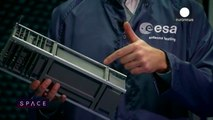ESA Euronews: CubeSaESA Euronews: Nanosatélites, satélites más pequeños que una caja de zapatos t, a satellite in a shoe box ES