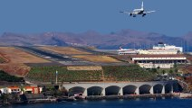 CRAZY Crosswind Landings At Madeira Funchal Airport Portugal - Aircraft Landing Aborts Bad Landings Big Planes