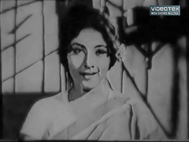 Un Ki Nazron Say Muhabbat - Hum Dono - Original DvD B/W Gems  Vol. 1