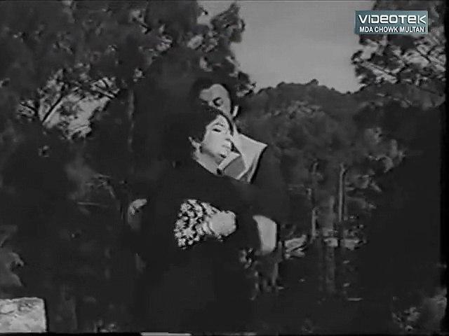 Mujh Sa Tujh Ko Chahnay Wala - Yadain - Original DvD B/W Gems  Vol. 1