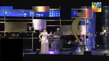 What Girls Did For Hamza Ali Abbasi In Hum TV Awards