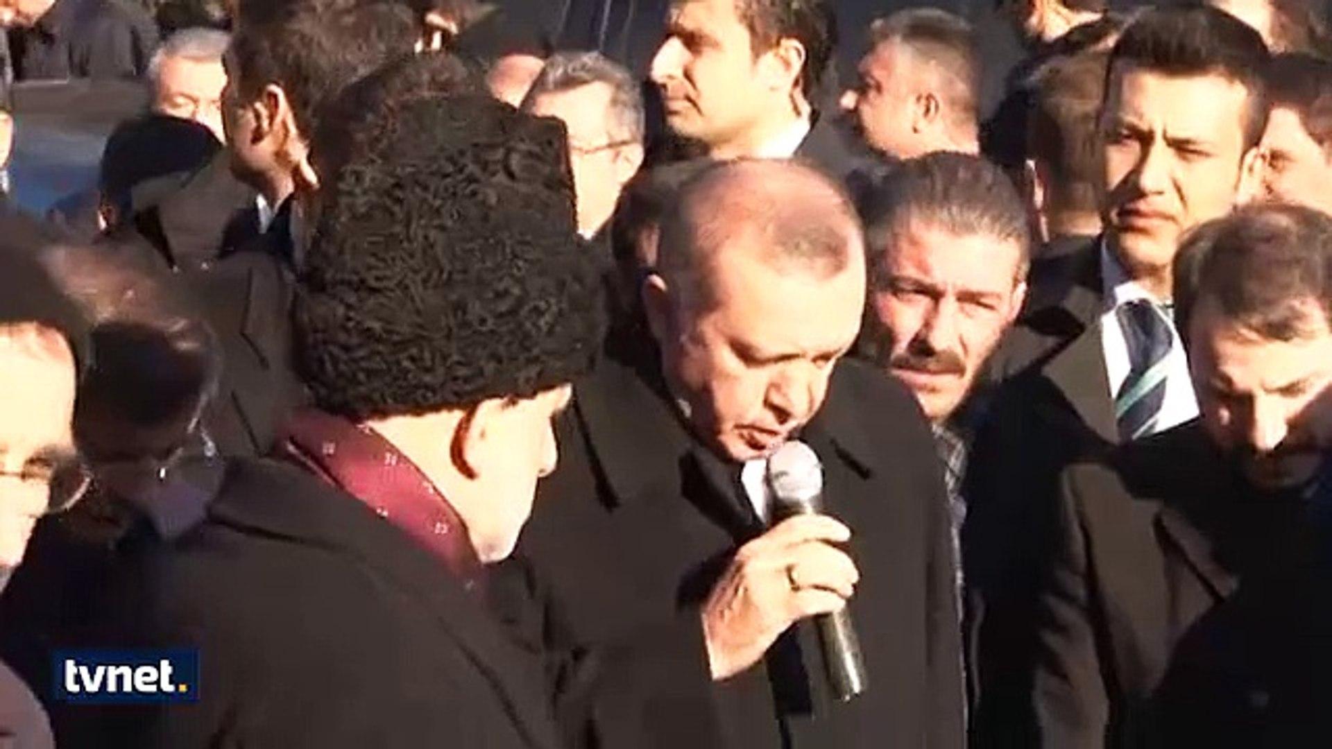 Cumhurbaşkanı ERdoğan Kuranı Kerim Okuyor