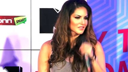 Sunny Leone's AWESOME Reply To Reporter!