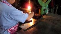 Herrajes para Muebles, Herrajes para Gabinetes - China: Escuadras para Estantes / Production 3