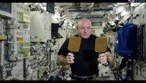 Scott Kelly joue au tennis de table dans l'espace