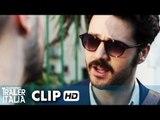 The Pills - Sempre Meglio Che Lavorare Clip 'Una vita con la sveglia alle 7:30' [HD]