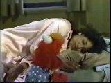 Classic Sesame Street - Elmo Sleeps Over at Maria\'s