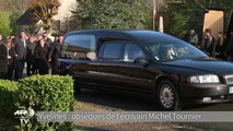 Obsèques de l'écrivain Michel Tournier à Choisel
