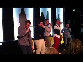 Spritz for Five cantano Flashlight e Rosso Relativo   Pitch Perfect 2