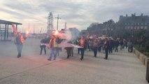 Les fonctionnaires en grève rejoignent la sous-préfecture