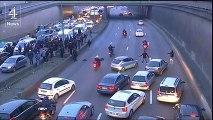 Comment les taxis parisiens ont bloqué le périphérique (vidéo)