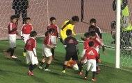 Le match improbable entre Shinji Kagawa et 30 enfants !