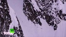 Une skieuse survit à une terrible chute dans une montagne d'Alaska