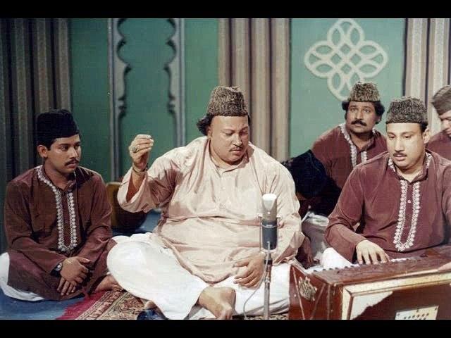 Qawwali - Teray Sohnay Madinay To Qurban Main - Nusrat Fateh Ali Khan