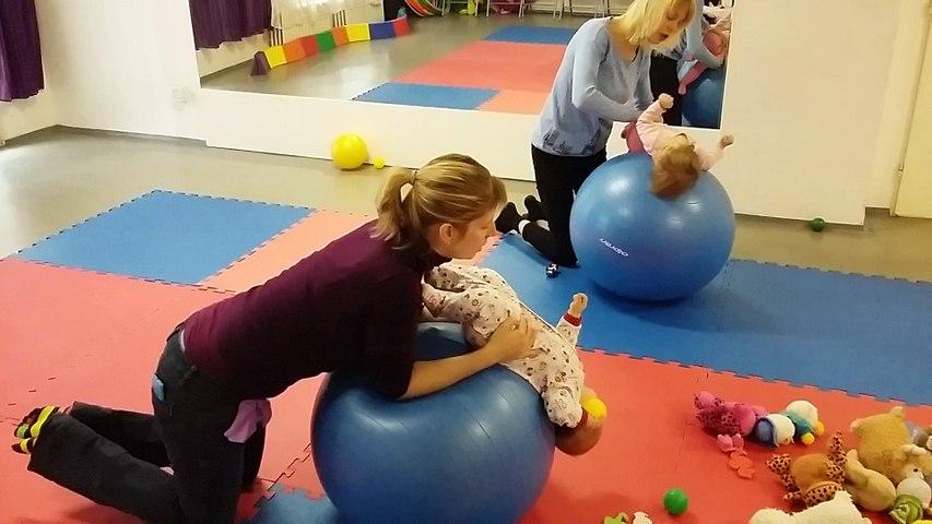 2016-01-26_Vývojové cvičení dětí na míči_A