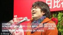 Des Japonais hurlent leur amour pour leur épouse, en plein centre de Tokyo