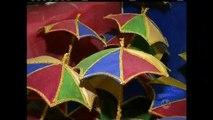 Barracões das escolas de samba se preparam para o Carnaval