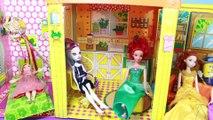 Barbie Dollhouse Surprise Vintage 70s FROZEN ELSA SURPRISE TOYS