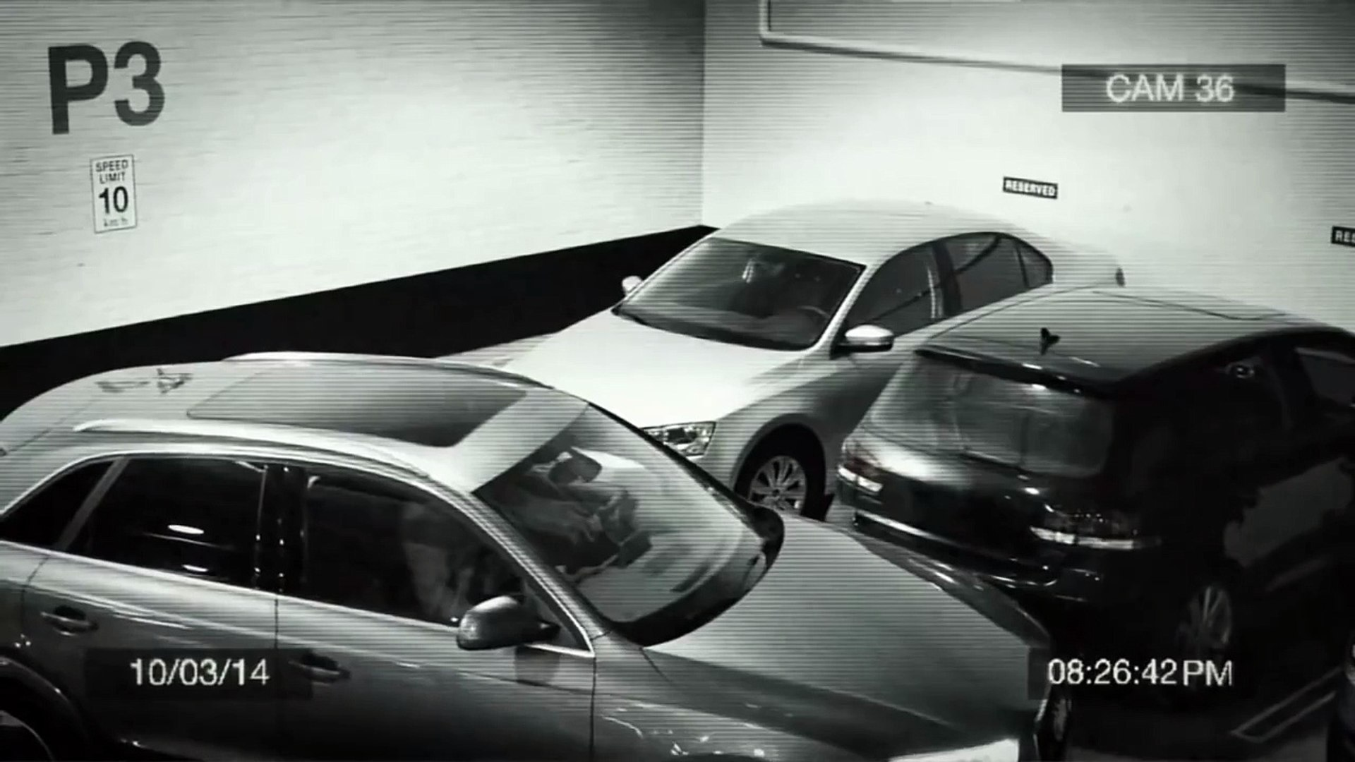 Да это просто король парковки! Вот что нужно делать, когда нет свободного места…