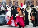 """Lancement du carnaval de Venise avec le """"saut de l'ange"""" à Saint-Marc"""