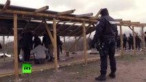Des édifices de culte chrétien et musulman démolis dans la Jungle de Calais