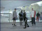 Foot-Pub - Nike - freestyle type Xiao football - 2003.03