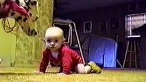 Des bébés et des chiens - Compilation de moments trop mignon et fun
