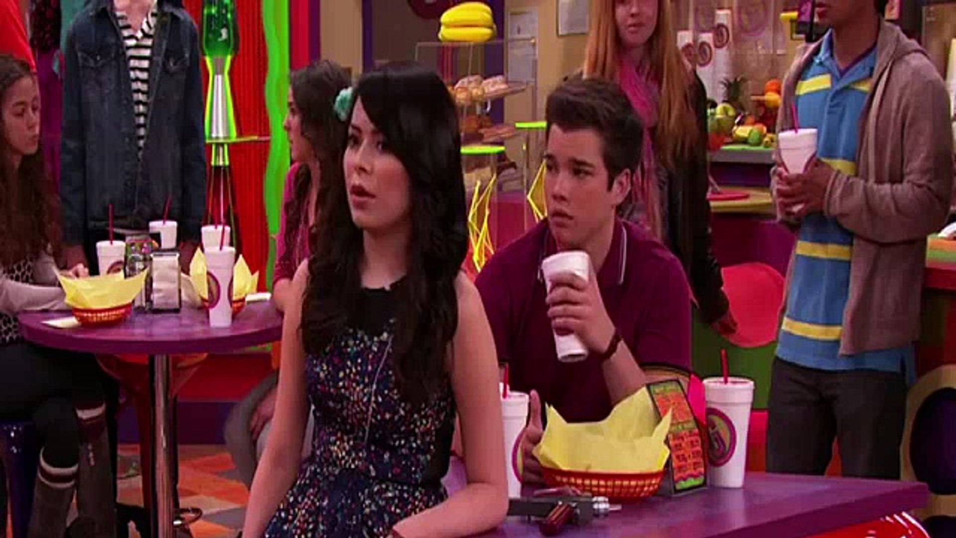 iCarly S06E06 iBattle Chip