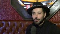 Redouanne Harjane: l'humoriste à la guitare nous parle de son spectacle et du Marrakech du rire