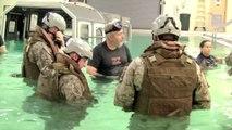 Simulation de crash d'hélicoptère - Entrainement des militaires de l'armée des USA