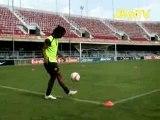 Nike Football-Joga Bonito-Ronaldinho Ping Pong