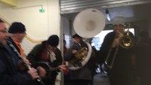 Les fanfares animent le centre-ville