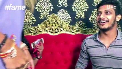 When Shah Rukh Khan Meets His 'Fan'
