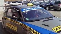 Un taxi qui fait des drifts! En mode Fast & Furious