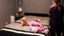 Supermaman : l'art d'habiller ses quatre bébés en même temps