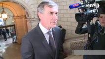 Arrivée chahutée de Jérôme Cahuzac au Palais de justice pour son procès