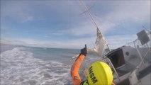 SNSM Cap d'Agde: Intervention sur un voilier de 7.50m échoué secteur marseillan-plage.
