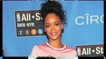 Rihanna Wardrobe Malfunction - Exposing Hot Assets